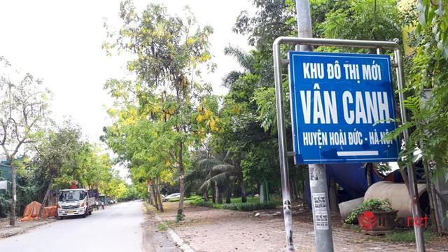 Khu đô thị ma la liệt biệt thự, nhà không người hoang vu ở Hà Nội - Ảnh 3.