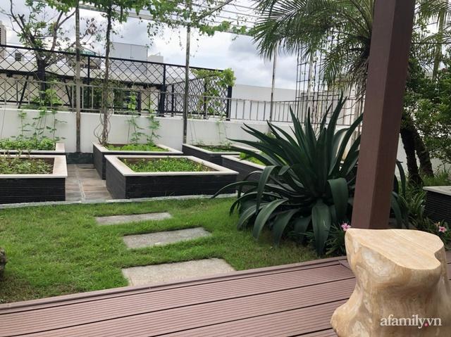 Vườn rau quả sạch 100m² trên mái nhà của mẹ 3 con ở Hà Nội - Ảnh 3.