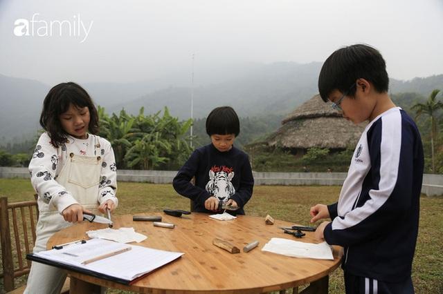 Hà Nội có 1 ngôi trường với những con đường quanh co rợp bóng cây: Bài thi không chấm điểm 10, dạy học theo nguyên tắc nương theo trẻ - Ảnh 3.