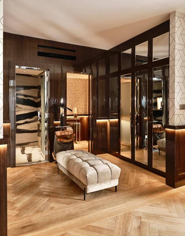 Thái Công khoe phòng tắm kết nối trực tiếp với phòng ngủ sang như khách sạn, dân tình phát hiện ra 1 chi tiết rất bất hợp lý - Ảnh 3.