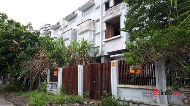 Khu đô thị ma la liệt biệt thự, nhà không người hoang vu ở Hà Nội - Ảnh 4.
