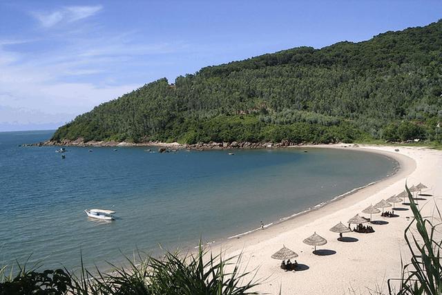 Không phải Phú Quốc, Nha Trang hay Hạ Long, đây là 2 đại diện của Việt Nam lọt top 25 bãi biển đẹp nhất châu Á - Ảnh 5.