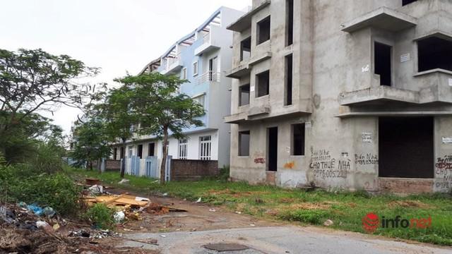 Khu đô thị ma la liệt biệt thự, nhà không người hoang vu ở Hà Nội - Ảnh 6.
