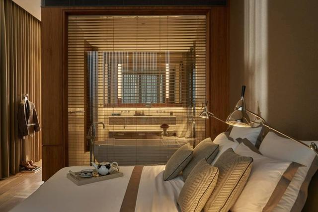 Thái Công khoe phòng tắm kết nối trực tiếp với phòng ngủ sang như khách sạn, dân tình phát hiện ra 1 chi tiết rất bất hợp lý - Ảnh 7.