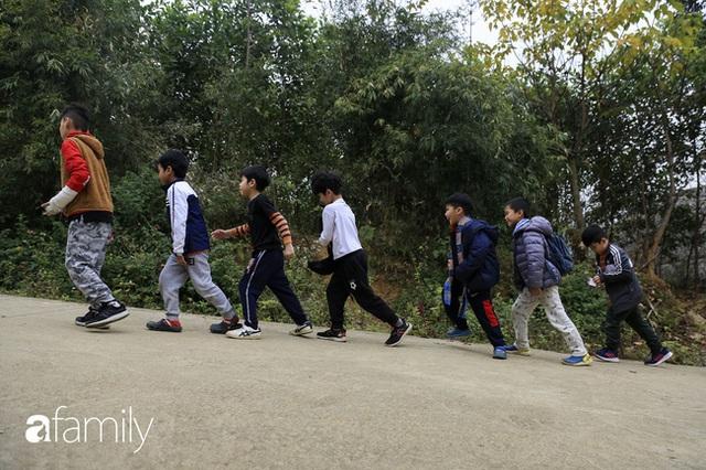 Hà Nội có 1 ngôi trường với những con đường quanh co rợp bóng cây: Bài thi không chấm điểm 10, dạy học theo nguyên tắc nương theo trẻ - Ảnh 8.