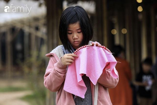 Hà Nội có 1 ngôi trường với những con đường quanh co rợp bóng cây: Bài thi không chấm điểm 10, dạy học theo nguyên tắc nương theo trẻ - Ảnh 9.