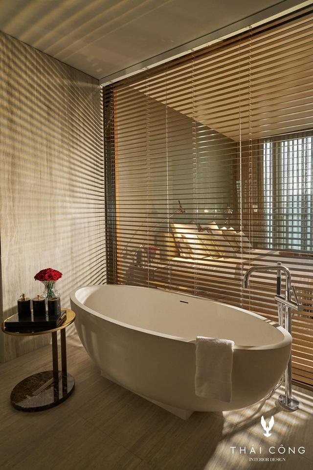 Thái Công khoe phòng tắm kết nối trực tiếp với phòng ngủ sang như khách sạn, dân tình phát hiện ra 1 chi tiết rất bất hợp lý - Ảnh 9.