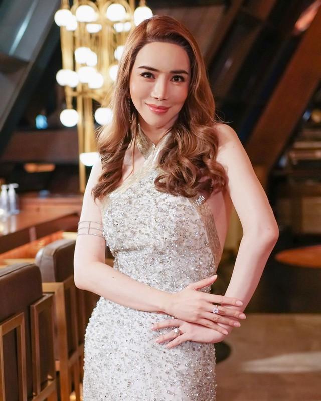 Nữ tỷ phú mạnh miệng đòi mua lại Miss Universe: Không phải gương mặt xa lạ gì ở Thái Lan nhưng hành trình tìm lại chính mình mới thật sự đáng nể - Ảnh 3.