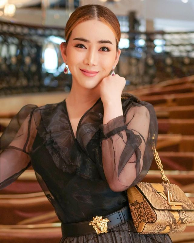 Nữ tỷ phú mạnh miệng đòi mua lại Miss Universe: Không phải gương mặt xa lạ gì ở Thái Lan nhưng hành trình tìm lại chính mình mới thật sự đáng nể - Ảnh 2.