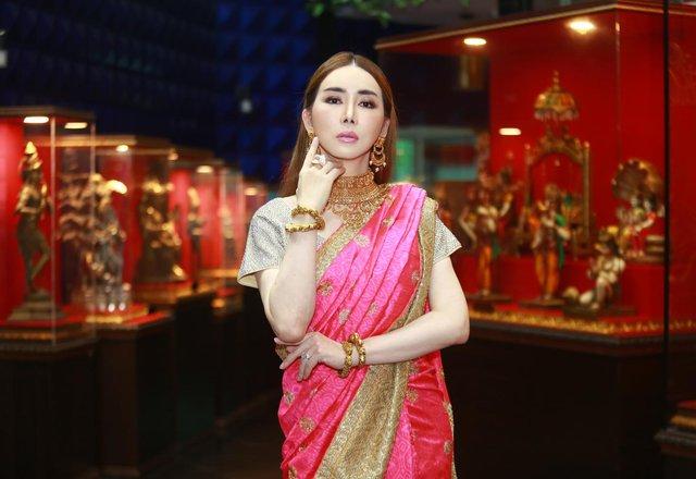 Nữ tỷ phú mạnh miệng đòi mua lại Miss Universe: Không phải gương mặt xa lạ gì ở Thái Lan nhưng hành trình tìm lại chính mình mới thật sự đáng nể - Ảnh 1.