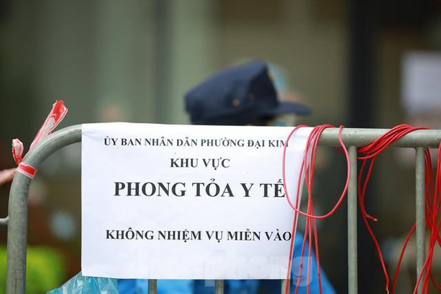 Hà Nội phong tỏa chung cư 32 tầng tại quận Hoàng Mai vì có ca mắc COVID-19  - Ảnh 2.