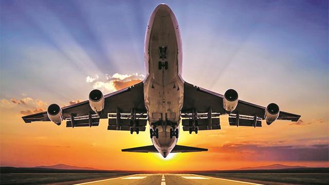 Du lịch và hàng không sẽ phục hồi mạnh vào năm 2023 - Ảnh 1.