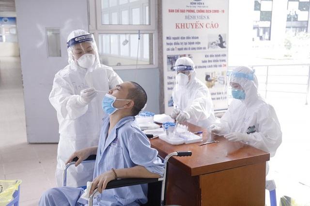 SARS-CoV-2 ngày càng nguy hiểm? Chuyên gia chỉ ra 5 tác động khó lường của biến thể virus - Ảnh 1.