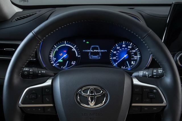 Ra mắt Toyota Highlander Bronze Edition: 6 chỗ, nhiều chi tiết vàng đồng, về Việt Nam giá cỡ 4 tỷ đồng  - Ảnh 13.