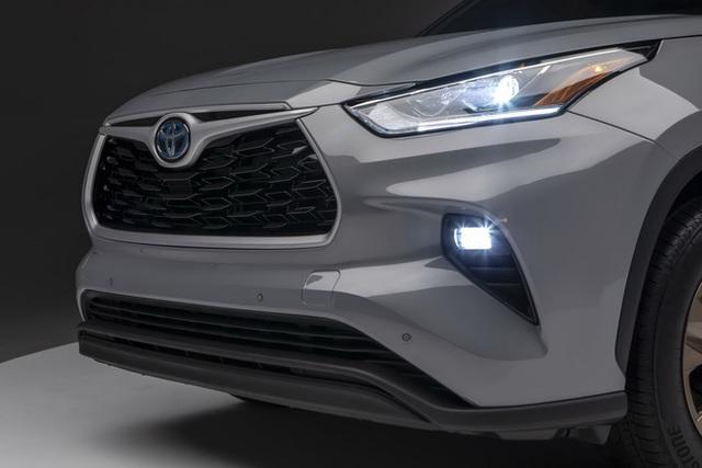 Ra mắt Toyota Highlander Bronze Edition: 6 chỗ, nhiều chi tiết vàng đồng, về Việt Nam giá cỡ 4 tỷ đồng  - Ảnh 6.