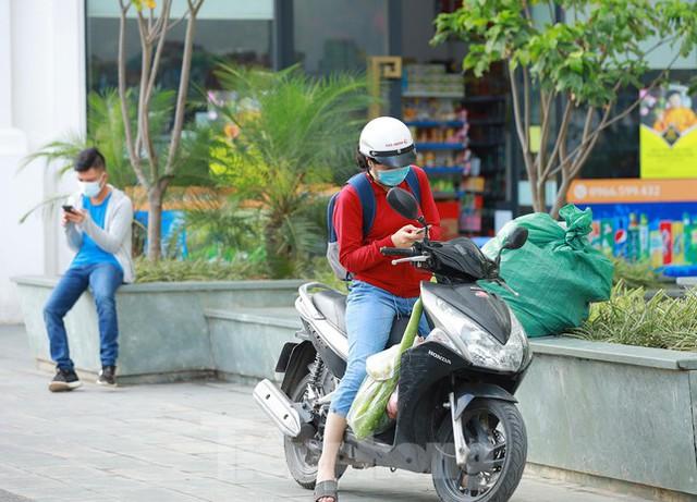 Hà Nội phong tỏa chung cư 32 tầng tại quận Hoàng Mai vì có ca mắc COVID-19  - Ảnh 7.