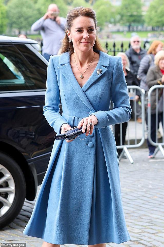 Ngày cuối trong chuyến công du, Công nương Kate chiếm trọn spotlight, thể hiện đẳng cấp vượt trội - Ảnh 7.