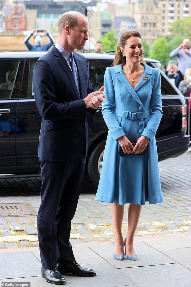 Ngày cuối trong chuyến công du, Công nương Kate chiếm trọn spotlight, thể hiện đẳng cấp vượt trội - Ảnh 8.
