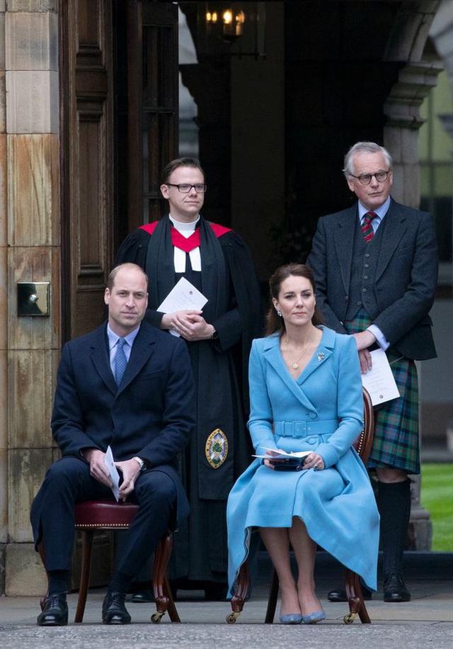 Ngày cuối trong chuyến công du, Công nương Kate chiếm trọn spotlight, thể hiện đẳng cấp vượt trội - Ảnh 9.