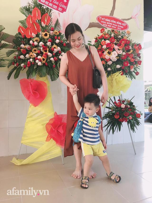 Mẹ Sài Gòn review trường mầm non ai nghe cũng mê: Trường có vườn rau, hồ cá, bé được học nhiều kỹ năng nhưng học phí thì dưới 2 triệu đồng - Ảnh 1.