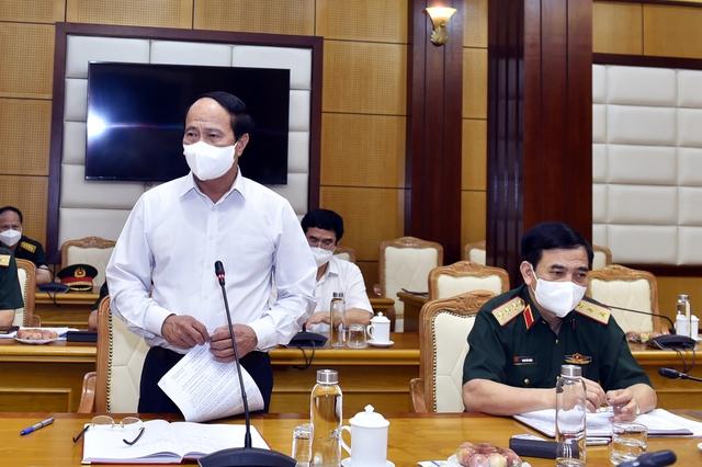 Chùm ảnh: Thủ tướng vào Bắc Giang động viên các lực lượng trên tuyến đầu chống dịch - Ảnh 2.
