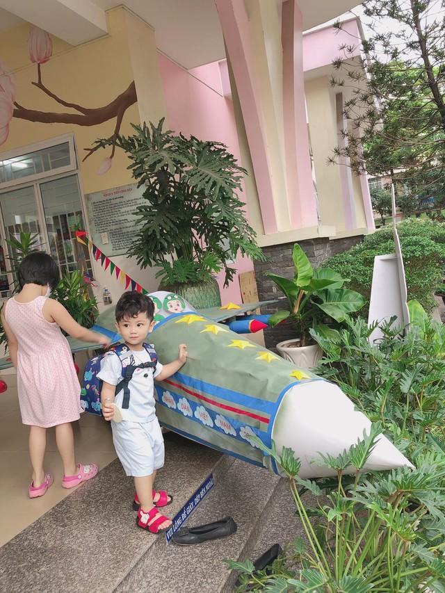 Mẹ Sài Gòn review trường mầm non ai nghe cũng mê: Trường có vườn rau, hồ cá, bé được học nhiều kỹ năng nhưng học phí thì dưới 2 triệu đồng - Ảnh 13.