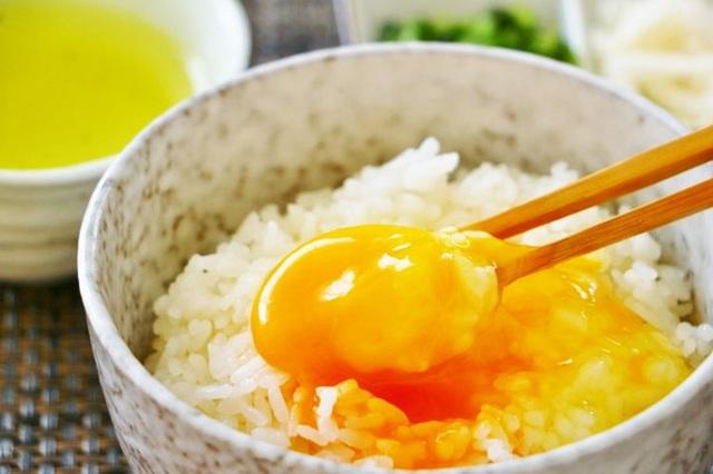 Trứng rất tốt nhưng ăn theo 6 kiểu này khiến trứng vừa mất dinh dưỡng vừa gây hại cho sức khỏe  - Ảnh 1.
