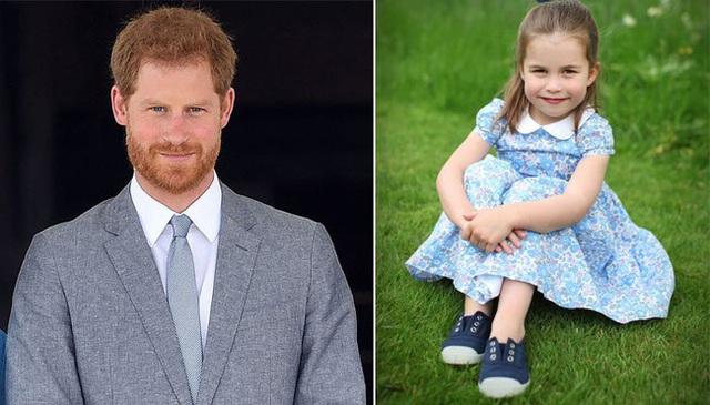 Công chúa Charlotte được khen ngợi khí chất hệt Nữ hoàng, Harry muối mặt khi bị đem ra so sánh với loạt điểm khác biệt - Ảnh 4.