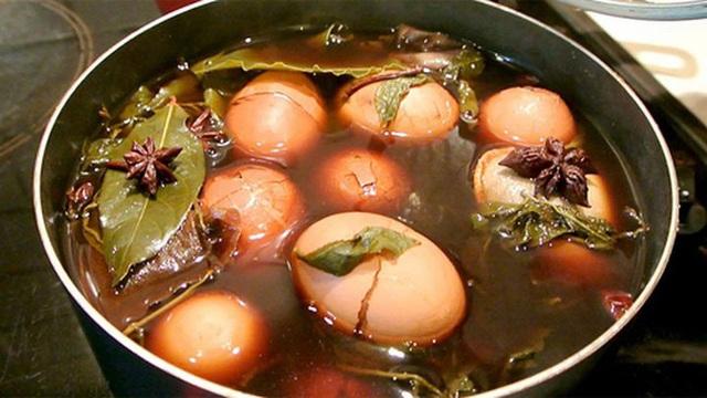 Trứng rất tốt nhưng ăn theo 6 kiểu này khiến trứng vừa mất dinh dưỡng vừa gây hại cho sức khỏe  - Ảnh 4.