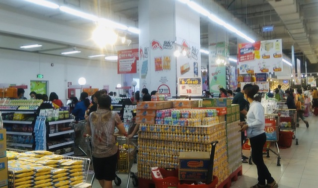 Chợ, siêu thị ở TP HCM vẫn mở bán bình thường từ 31-5 - Ảnh 2.
