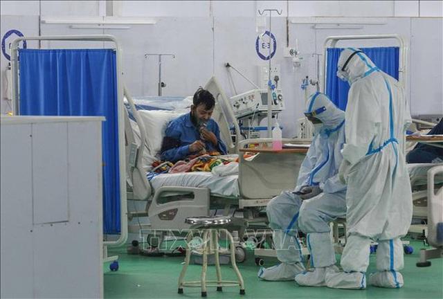 Hiện tượng nguy hiểm khiến bệnh nhân trẻ mắc COVID-19 nặng hơn ở Ấn Độ - Ảnh 3.