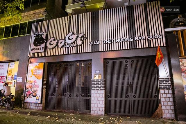 Quán xá Sài Gòn lao đao giữa mùa dịch: Thông báo bán mang đi nhưng nhiều nơi vẫn vắng hoe, khung cảnh ảm đạm bao trùm nhiều tuyến phố - Ảnh 27.