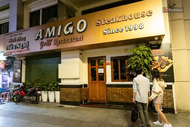 Quán xá Sài Gòn lao đao giữa mùa dịch: Thông báo bán mang đi nhưng nhiều nơi vẫn vắng hoe, khung cảnh ảm đạm bao trùm nhiều tuyến phố - Ảnh 30.