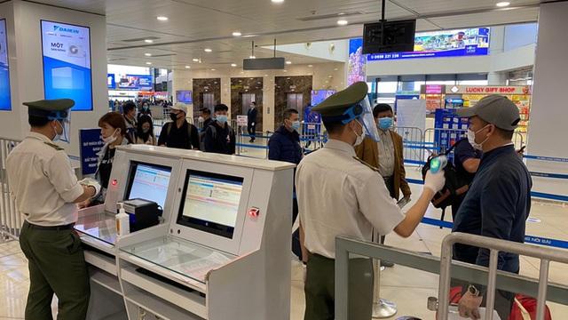 Cảng vụ hàng không miền Bắc khẳng định nước rửa tay ở Nội Bài không phải nước lã  - Ảnh 6.