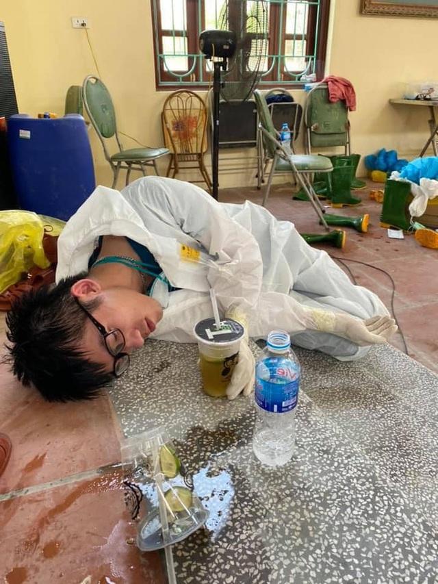 Nam sinh Quân y tại tâm dịch Bắc Giang: Có những đêm gần như thức trắng, nhìn đồng đội kiệt sức nước mắt ứa ra, chỉ mong sớm hết dịch! - Ảnh 8.