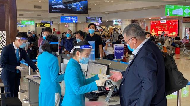 Cảng vụ hàng không miền Bắc khẳng định nước rửa tay ở Nội Bài không phải nước lã  - Ảnh 7.