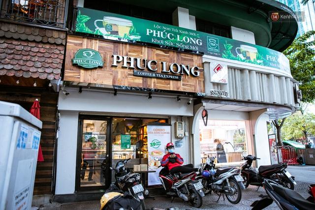 Quán xá Sài Gòn lao đao giữa mùa dịch: Thông báo bán mang đi nhưng nhiều nơi vẫn vắng hoe, khung cảnh ảm đạm bao trùm nhiều tuyến phố - Ảnh 8.
