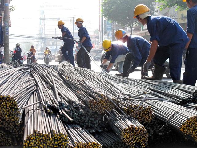 """Tâm tư của nhà thầu xây dựng: """"Giá vật liệu tăng bất thường, chúng tôi nguy cơ thua lỗ, phá sản"""" - Ảnh 1."""