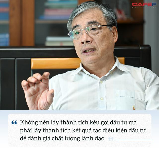 PGS.TS Trần Đình Thiên: Việt Nam không phải, không thể là mảnh đất dành cho các nhà đầu tư kém cỏi, ngu dốt, kinh doanh lỗ triền miên - Ảnh 9.