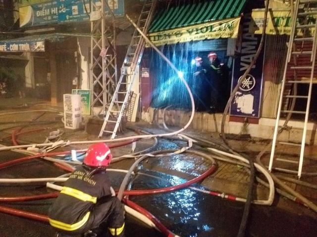 Cháy nhà 4 tầng trên đường Nguyễn Thiện Thuật, quận 3 - TP HCM  - Ảnh 2.