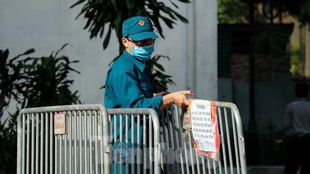 Phong tỏa tạm thời tòa nhà 97-99 Láng Hạ vì nữ nhân viên 9X dương tính với SARS-CoV-2  - Ảnh 2.