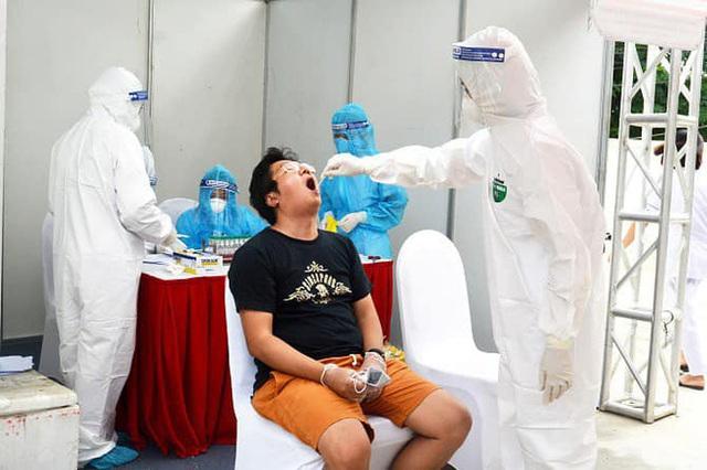 GĐ sở Y tế Bắc Giang: Nhu cầu điều trị bệnh nhân nặng tăng nhanh quá! Chúng tôi vẫn thiếu trang thiết bị của 50 giường ICU - Ảnh 2.