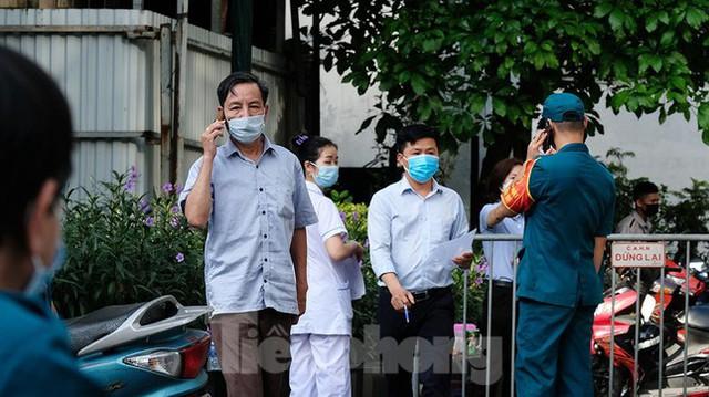 Phong tỏa tạm thời tòa nhà 97-99 Láng Hạ vì nữ nhân viên 9X dương tính với SARS-CoV-2  - Ảnh 11.