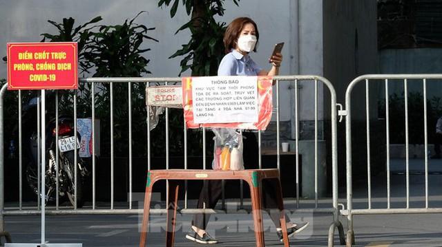 Phong tỏa tạm thời tòa nhà 97-99 Láng Hạ vì nữ nhân viên 9X dương tính với SARS-CoV-2  - Ảnh 12.