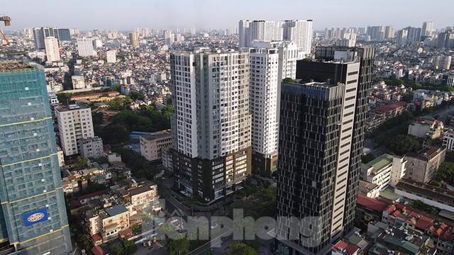 Phong tỏa tạm thời tòa nhà 97-99 Láng Hạ vì nữ nhân viên 9X dương tính với SARS-CoV-2  - Ảnh 13.