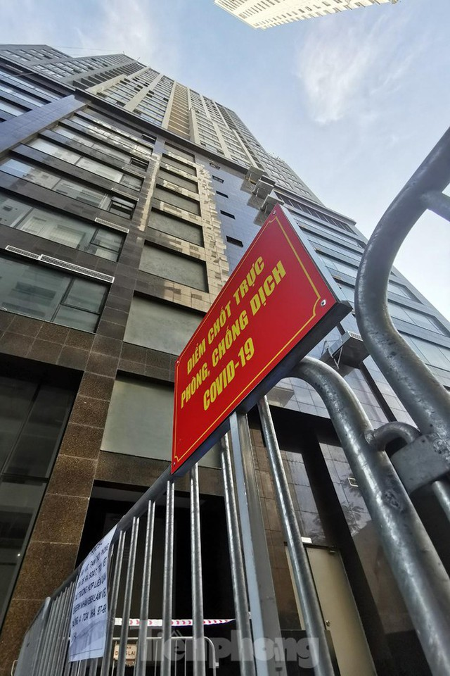 Phong tỏa tạm thời tòa nhà 97-99 Láng Hạ vì nữ nhân viên 9X dương tính với SARS-CoV-2  - Ảnh 6.