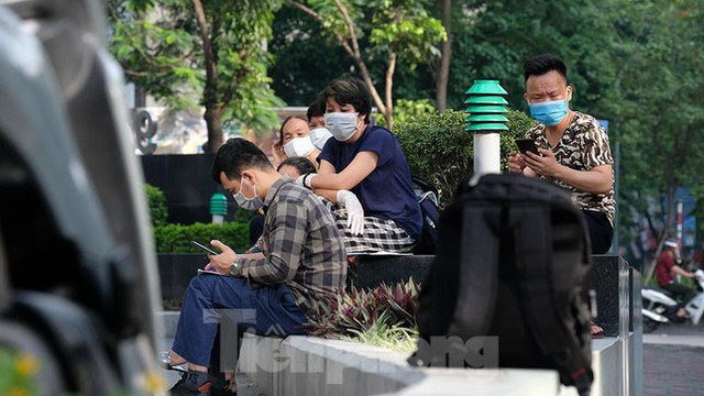Phong tỏa tạm thời tòa nhà 97-99 Láng Hạ vì nữ nhân viên 9X dương tính với SARS-CoV-2  - Ảnh 7.
