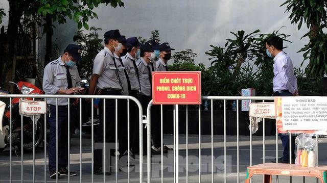 Phong tỏa tạm thời tòa nhà 97-99 Láng Hạ vì nữ nhân viên 9X dương tính với SARS-CoV-2  - Ảnh 8.