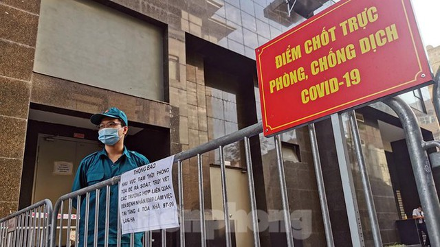 Phong tỏa tạm thời tòa nhà 97-99 Láng Hạ vì nữ nhân viên 9X dương tính với SARS-CoV-2  - Ảnh 9.