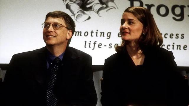 Cuộc hôn nhân 27 năm của vợ chồng tỷ phú Bill Gates qua những bức ảnh - Ảnh 3.